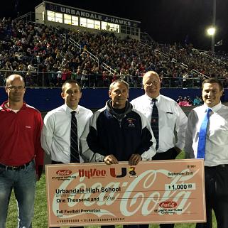 HyVeePresentingCheckUHSFootballGame_districtnews